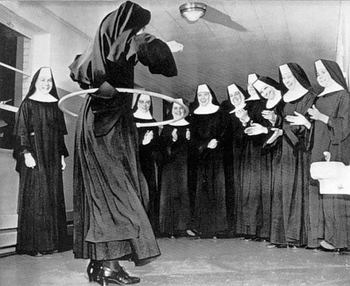 15 Vintage Photos Of Nuns Doing Normal Things St Michael